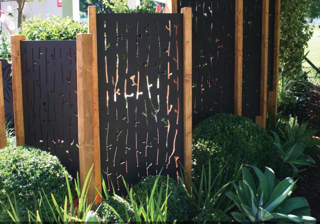 hagekunst for å skjule varmepumpen din